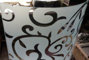 Стекло радиусное с пескоструйным рисунком для радиусных дверей Королёв