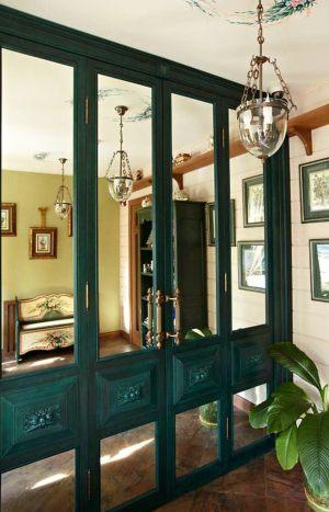 Распашные двери филенкой и декоративными накладками Королёв